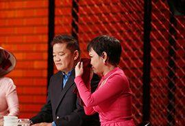 Việt Hương bật khóc nức nở trước tình cảm của bà mẹ đơn thân Hương Giang vì dám một mình sinh con tại căn bếp