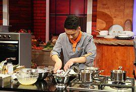 """Chef Văn Quyết: """"Với tôi nghề đầu bếp không khác gì thầy thuốc, ngoài tay nghề, sự điềm tĩnh còn phải có lòng nhân ái"""""""